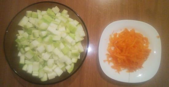 Измельчённые кабачки с морковью для собак