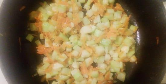 Приспущенные кабачки с морковью для собаки